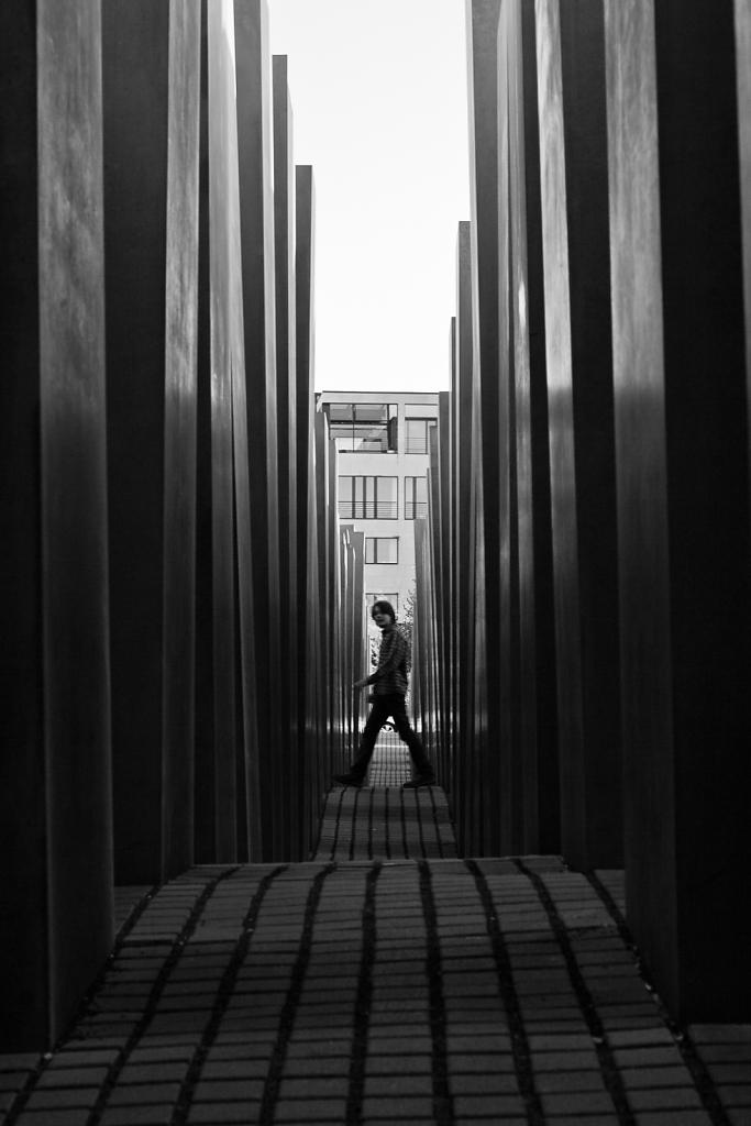 Mending The Past ⋅ Berlin, Germany ⋅ 2007